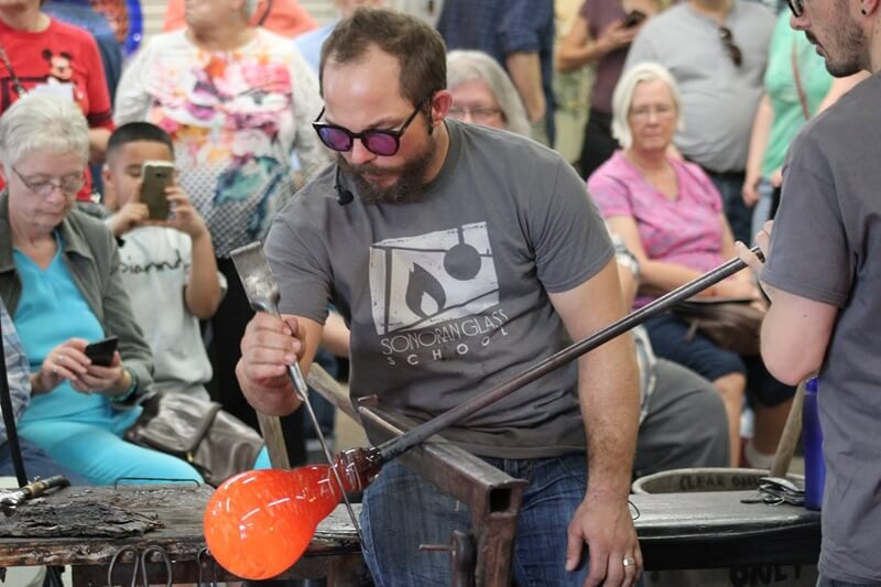 The 4D Glassblowers