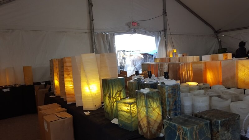 The Kino Show is an outdoor show on gravel - with everything from shawls to home decor