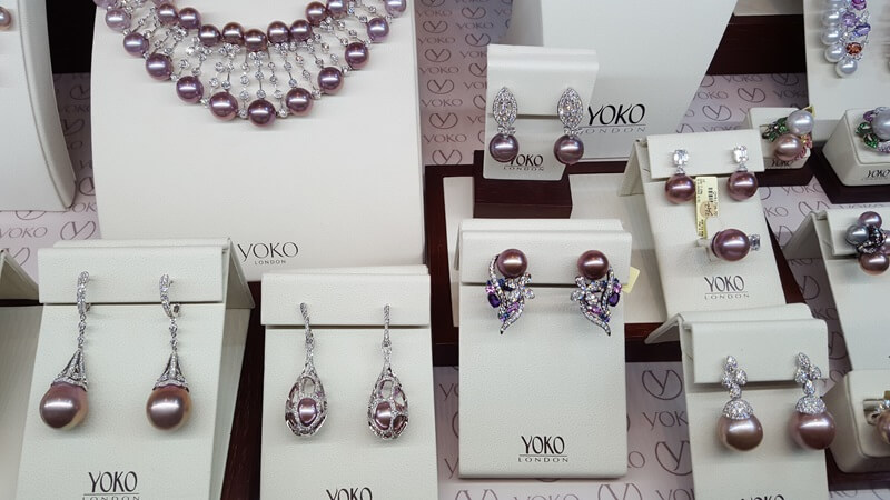 This stunning Mauve Pearl was introduced by Yoko London