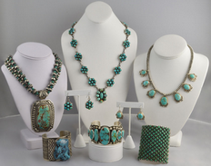 Select Lines Jewelry & Displays