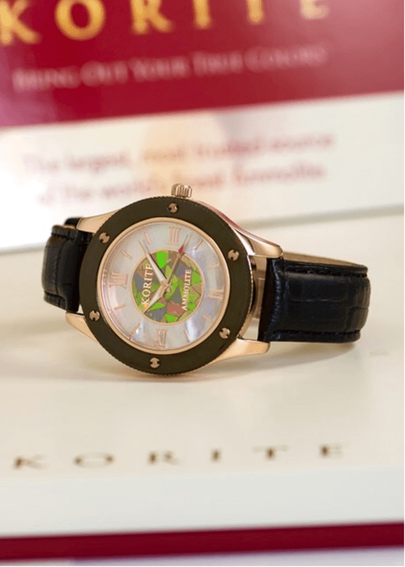 Classic Ammolite watch with pearl